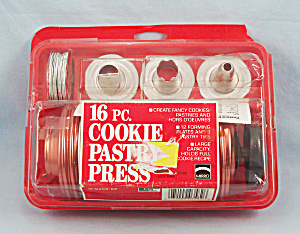 Mirro – 16 Pc. Cookie Pastry Press #3, Original Packaging (Image1)