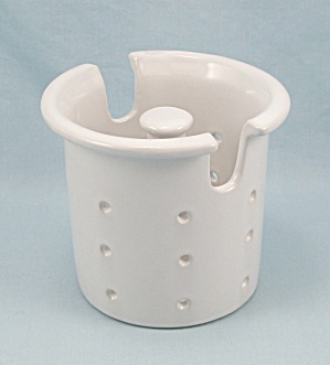 Porcelain Tea Infuser, Center Handle (Image1)