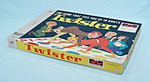 Twister Game, Milton Bradley, 1966 (Image1)