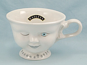 Baileys - Winking Woman Cup - Helen Hunt Signature, La Youth