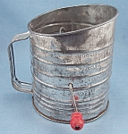 Click to view larger image of  Bromwell's – Crank Tin Sifter – Red Handle, 5 Cup (Image1)
