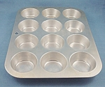 Click here to enlarge image and see more about item TE2500:  Mirro Aluminum  Muffin Pan � # 162 M
