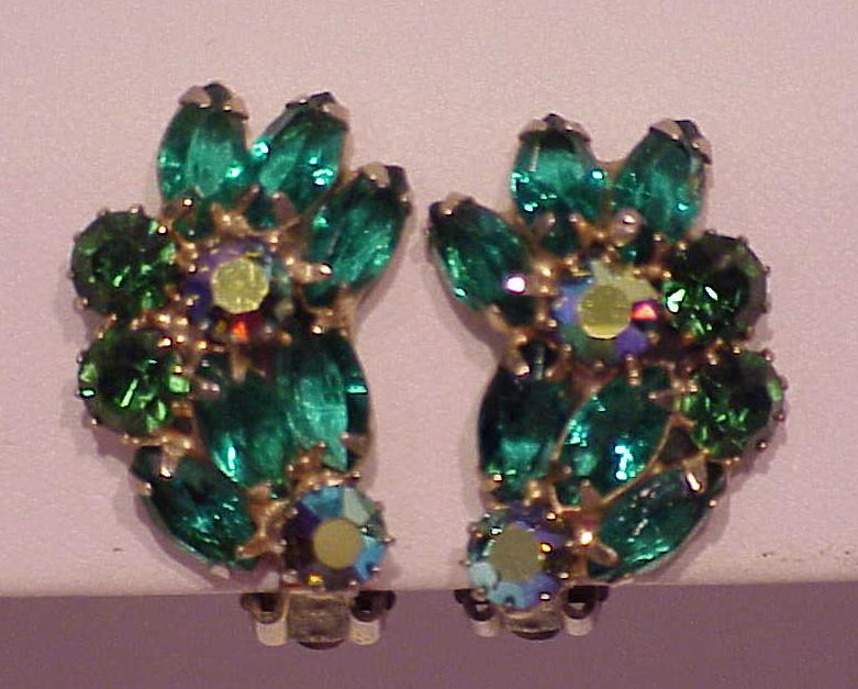 Tias Mall Tricia S Treasures Jewelry Costume Vintage Signed Weiss Emerald Green Navette Rhinestone Clip Earrings