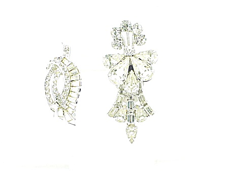 VINTAGE COSTUME JEWELRY - 2  ART DECO RHINESTONE DRESS OR FUR CLIPS (Image1)