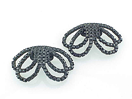 Vintage Black Rhinestones In Japanned Finish Bow Shoe Clips