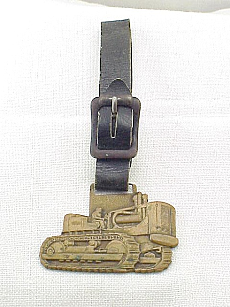 VINTAGE ALLIS-CHALMERS TRACTOR LARGE MACHINERY WATCH FOB  (Image1)