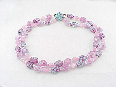 VINTAGE COSTUME JEWELRY - VENETIAN PINK & BLUE ART GLASS BEAD NECKLACE (Image1)