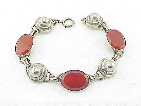 VINTAGE COSTUME JEWELRY - ART DECO CARVED GLASS STERLING SILVER BRACELET (Image1)