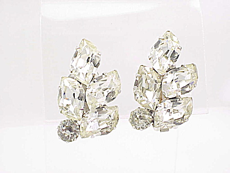 COSTUME JEWELRY - VINTAGE WEISS CLEAR RHINESTONE CLIP EARRINGS (Image1)