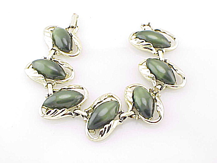 COSTUME JEWELRY - VINTAGE GREEN LUCITE MOONSTONE THERMOSET BRACELET (Image1)