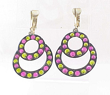 COSTUME JEWELRY - VINTAGE 1960'S MOD DANGLING PINK & GREEN RHINESTONE CLIP EARRINGS (Image1)