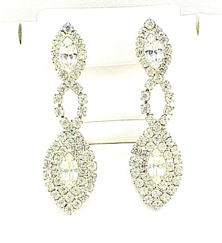COSTUME JEWELRY - VINTAGE BRILLIANT DANGLING RHINESTONE PIERCED EARRINGS (Image1)
