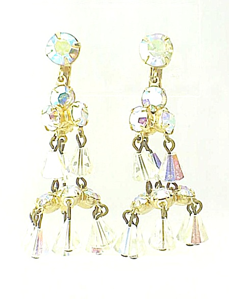 VINTAGE COSTUME JEWELRY - AURORA BOREALIS CRYSTAL AND RHINESTONE CHANDELIER CLIP EARRINGS (Image1)