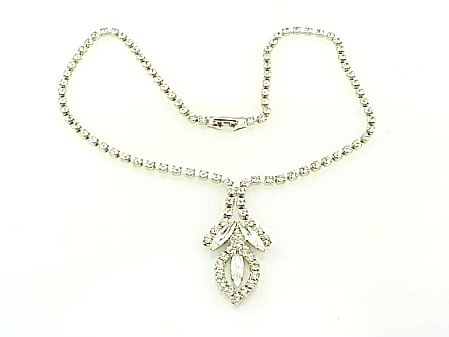 VINTAGE COSTUME JEWELRY - CLEAR RHINESTONE NECKLACE WITH CENTER DROP (Image1)