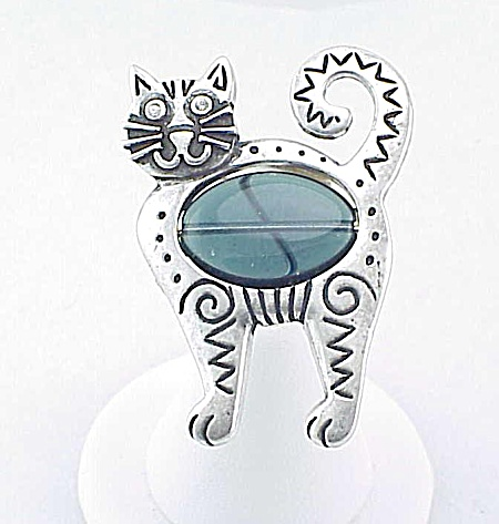 COSTUME JEWELRY - SILVER TONE BLUE JELLY BELLY CAT BROOCH SIGNED 27 MM (Image1)