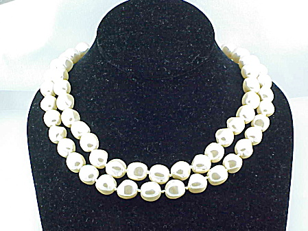 VINTAGE DOUBLE STRAND LARGE BAROQUE PEARL NECKLACE (Image1)