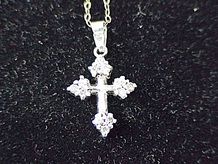 VINTAGE STERLING SILVER DIAMOND RHINESTONE CROSS PENDANT NECKLACE (Image1)