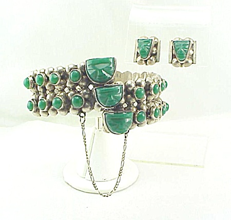 VINTAGE MEXICAN STERLING SILVER & JADE ONYX FACE BRACELET EARRINGS - BOOK PIECE (Image1)