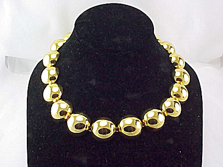 COSTUME JEWELRY - MONET RUNWAY LOOK CHUNKY GOLD TONE HALF SPHERE BALL CHOKER NECKLACE (Image1)