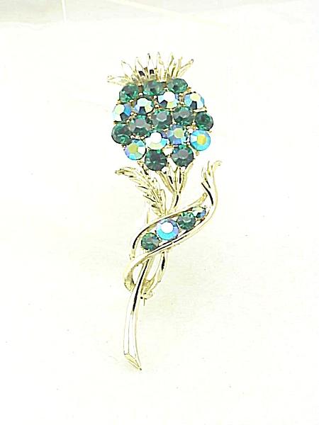 VINTAGE DARK EMERALD GREEN & AURORA BOREALIS RHINESTONE FLOWER THISTLE BROOCH (Image1)