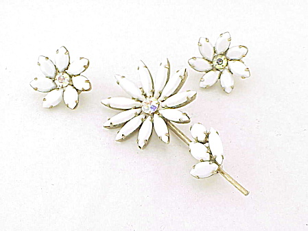 Vintage White Milk Glass And Rhinestone Flower Brooch Earrings Set