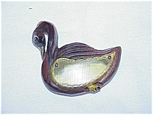 VINTAGE APPLE JUICE BAKELITE AND CARVED WOOD SWAN BIRD BROOCH (Image1)