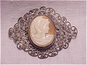 VICTORIAN OR VINTAGE SHELL CAMEO SILVER FILIGREE BROOCH (Image1)