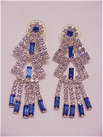 COSTUME JEWELRY - LONG DANGLING BLUE AND CLEAR RHINESTONE PIERCED EARRINGS (Image1)