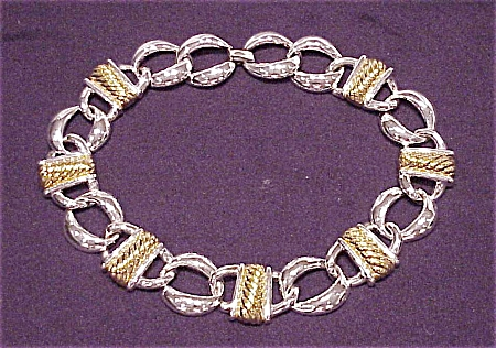 COSTUME JEWELRY - CHUNKY TWO TONE SILVER & GOLD CHOKER NECKLACE SIGNED NAPIER (Image1)