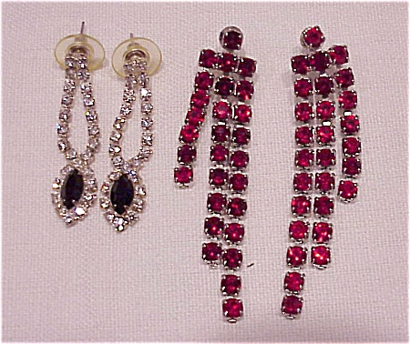 COSTUME JEWELRY - TWO PAIR OF DANGLING RHINESTONE PIERCED EARRINGS - 1 RED, 1 BLACK & CLEAR (Image1)