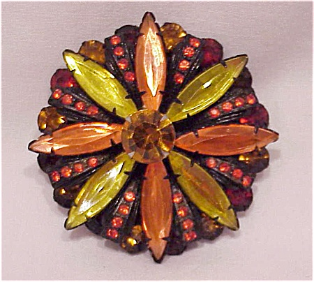 VINTAGE COSTUME JEWELRY - HALLOWEEN LOOK ORANGE & YELLOW RHINESTONE JAPANNED BROOCH (Image1)