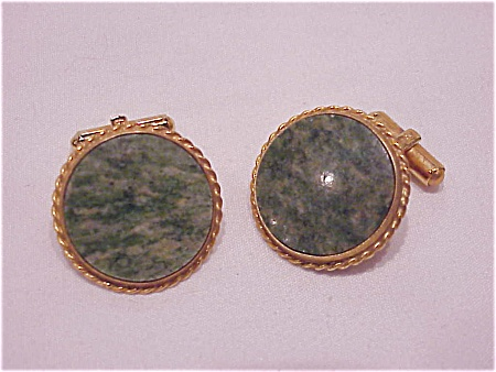 VINTAGE COSTUME JEWELRY - LARGE GOLD TONE CUFFLINKS WITH JADE STONES (Image1)