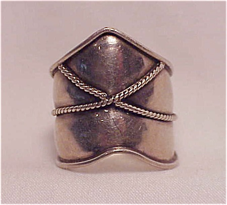 Wide Sterling Silver Ring With Rope Design - Size 7-1/2