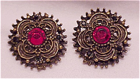 COSTUME JEWELRY - RED RHINESTONE PIERCED EARRINGS SIGNED EH (Image1)