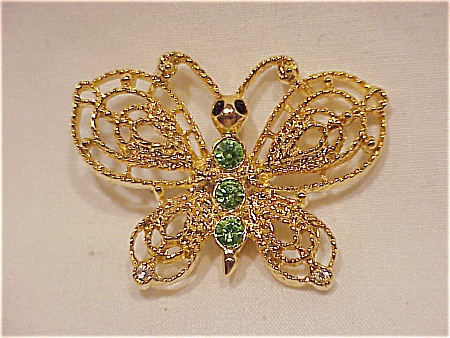 COSTUME JEWELRY - GOLD TONE & GREEN RHINESTONE BUTTERFLY BROOCH SIGNED NEW VIEW (Image1)