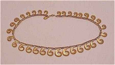 COSTUME JEWELRY - VINTAGE VENDOME BRUSHED GOLD TONE SWIRL CHOKER NECKLACE (Image1)