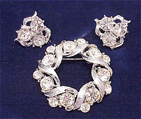 Vintage Brilliant Clear Rhinestone Brooch And Clip Earrings Set