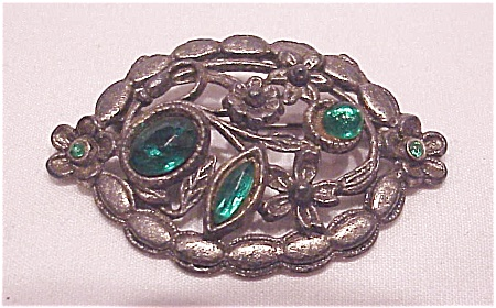 VINTAGE POT METAL SILVER TONE C CLASP BROOCH WITH GREEN RHINESTONES (Image1)
