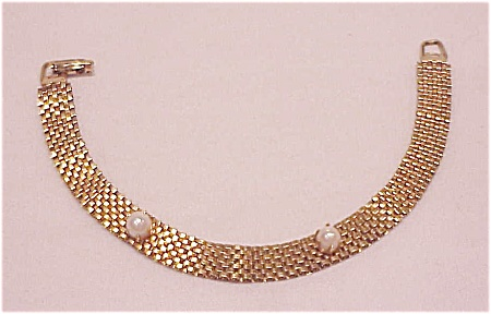 Vintage Gold Tone Mesh Bracelet With Imitation Pearls
