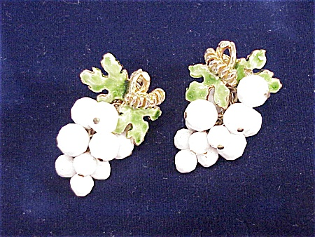 Vintage Dangling White Bead Grape Cluster Clip Earrings