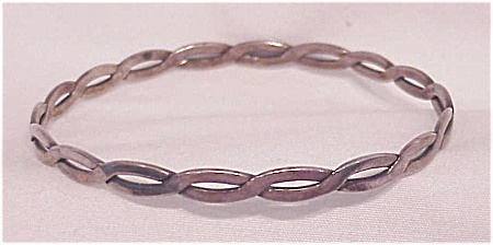 VINTAGE STERLING SILVER BANGLE BRACELET - LINK DESIGN (Image1)