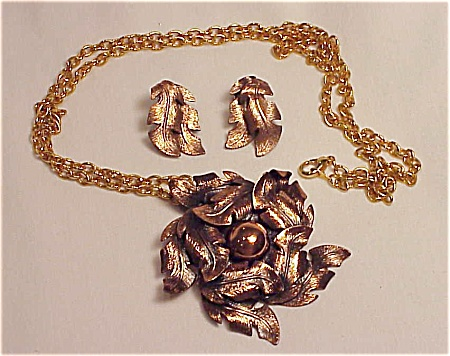 Vintage Bell Copper Leaf Pendant Necklace And Clip Earrings