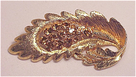 VINTAGE COSTUME JEWELRY - BRUSHED GOLD TONE BROOCH WITH AMBER YELLOW RHINESTONES (Image1)