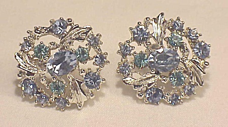 Vintage Costume Jewelry - Lisner Blue Rhinestone Screwback Earrings