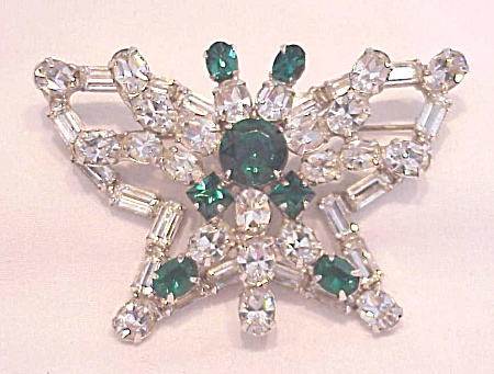 VINTAGE COSTUME JEWELRY - LARGE EMERALD GREEN AND BRILLIAINT CLEAR RHINESTONE BUTTERFLY BROOCH (Image1)