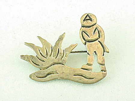 VINTAGE TAXCO MEXICAN STERLING SILVER PEASANT AND CACTUS BROOCH SIGNED J ALVAREZ (Image1)