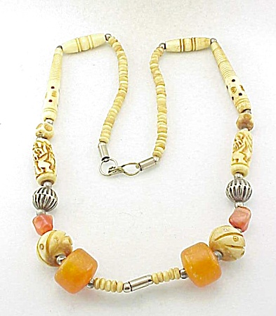 VINTAGE TRIBAL CARVED BONE, AMBER, AGATE AND SILVER BEAD NECKLACE (Image1)