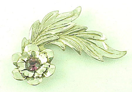 VINTAGE COSTUME JEWELRY - STERLING SILVER BROOCH WITH AMETHYST RHINESTONE (Image1)