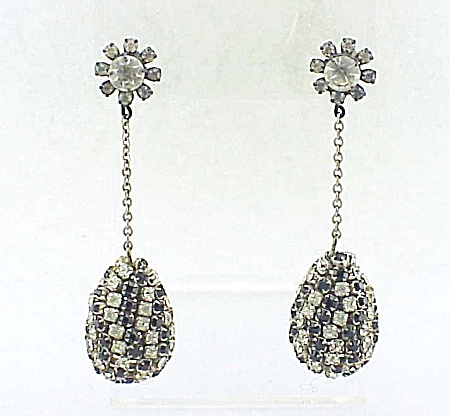 VINTAGE COSTUME JEWELRY - MOD BLACK & CLEAR DANGLING RHINESTONE PIERCED EARRINGS (Image1)