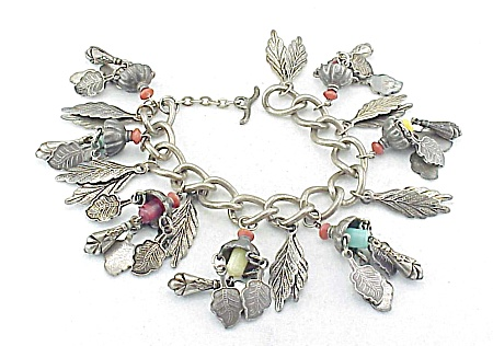 VINTAGE STERLING SILVER TRIBAL BRACELET WITH CHARMS & BEADS (Image1)